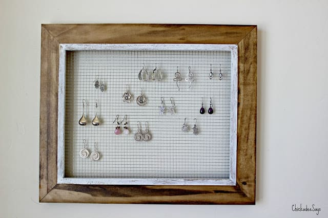 Do it yourself picture frame earring display habits of a modern a christmas present this last year yes these pictures are that old i forgot i had photographed the process i made my mom a jewelry display for all solutioingenieria Gallery
